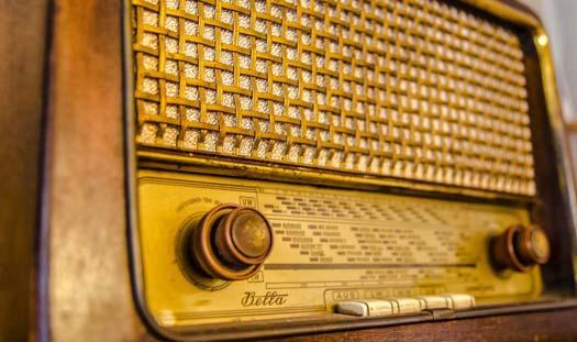 Radio wprzestrzeni publicznej. Kiedy legalnie?
