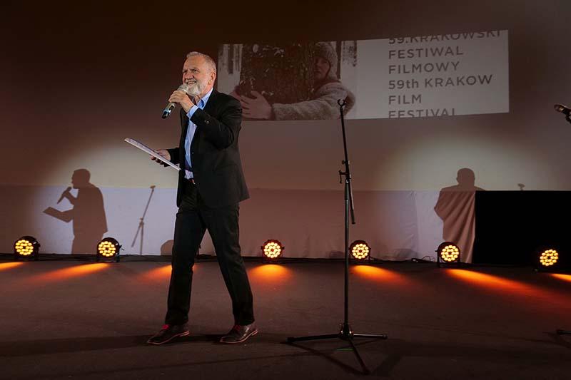 Krzysztof Gierat. Dokument nie ściga się zfabułą