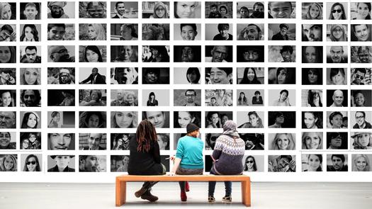 Publikacja zdjęć zwystawy wserwisach społecznościowych