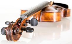"""Cyfrowe skrzypce. Nowa odsłona portalu """"Instrumenty muzyczne"""""""